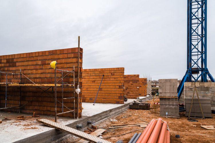 ¿Al realizar una reforma de un piso puedo tirar un muro de carga?